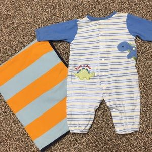 Other - Baby bundle blanket and outfit medium